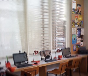 design-designer-impresso-grafica-centro-rj-rio-de-janeiro-logotipo-papelaria-folder-flyer-adesivo-sinalizacao-loja-rede-globo-televisao-tv-fotos-cenario-malhacao